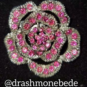 🛍NWT: Vintage Brooch (Pink Flower)